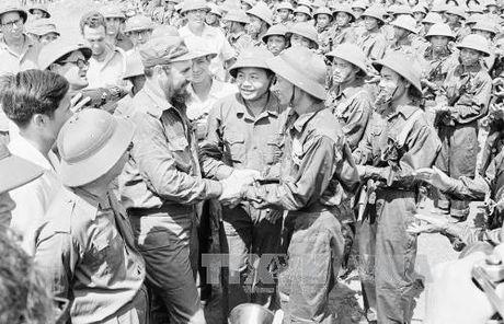 Chu tich Quoc hoi Nguyen Thi Kim Ngan len duong du Le tang lanh tu Cuba Fidel Castro - Anh 1