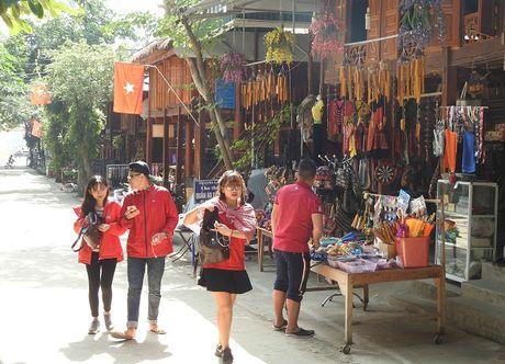 Hoa Binh: Vu khi tho so, kiem sat thuong khong con bay ban o Ban Lac – Mai Chau - Anh 1
