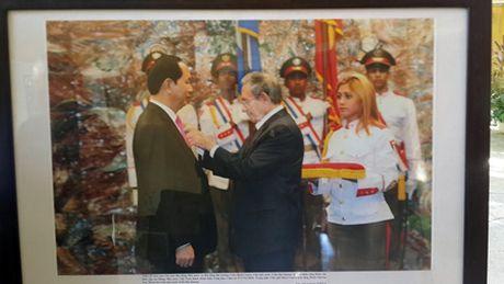 Tong bi thu Nguyen Phu Trong vieng ong Fidel Castro - Anh 6