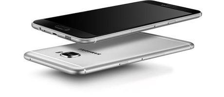 Samsung Galaxy C7 Pro lo cau hinh - Anh 1