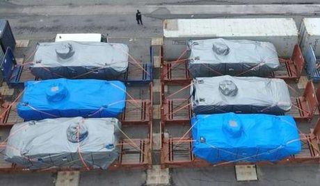 Trung Quoc phan doi Singapore vu 9 xe tang bi giu o Hong Kong - Anh 1