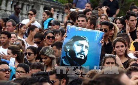 Di san lanh tu Fidel Castro de lai cho nhan dan Cuba - Anh 1