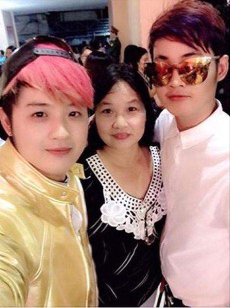 Thanh Duy Idol tiet lo ly do hiem khi nhac den em trai co giong hat phi gioi tinh - Anh 2