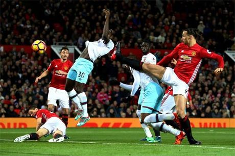 MU - West Ham: Noi am anh truoc khung thanh - Anh 1