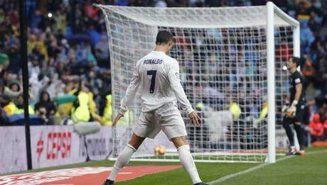 """Ronaldo """"vao phom"""": Real vo nguc cho Sieu kinh dien - Anh 1"""