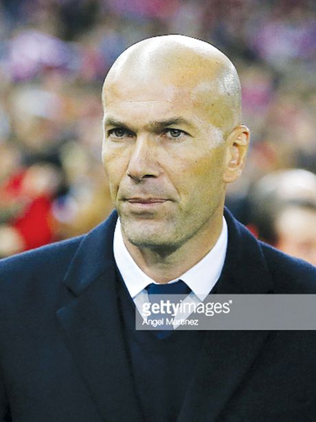 Zidane bien Real thanh 'ac dieu' - Anh 1