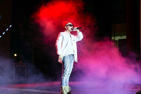 Son Tung M-TP duoc fan Buon Ma Thuot chao don cuong nhiet nhu Cong Phuong - Anh 4