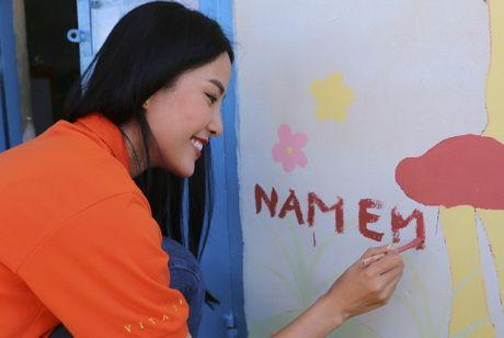Pham Huong, Nam Em cuoi may cay den voi tre em ngheo vung cao - Anh 14