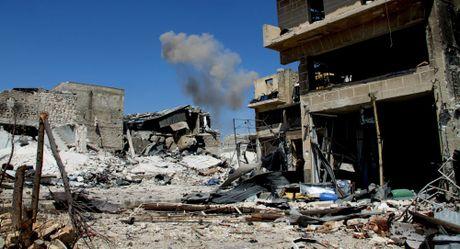Bo Quoc phong Syria tiet lo ly do bat dau mo chien dich o Aleppo - Anh 1