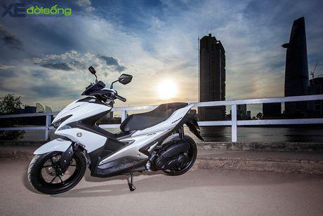Yamaha NVX 155 lo gia ban re ngoai du kien - Anh 1