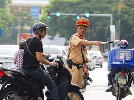 Tu 1/1/2017: Ha Noi kiem tra xe chinh chu bang thiet bi thong minh - Anh 1