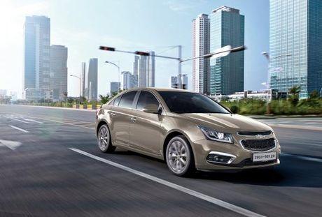 Chevrolet Cruze ban nang cap co gia tu 589 trieu dong - Anh 3