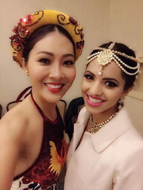 Dieu Ngoc duoc chu tich Miss World khen ngoi voi phan thi Tai nang - Anh 3