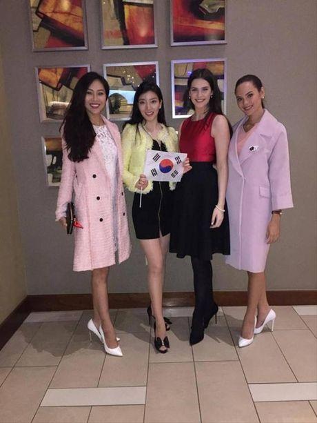 Dieu Ngoc duoc chu tich Miss World khen ngoi voi phan thi Tai nang - Anh 6
