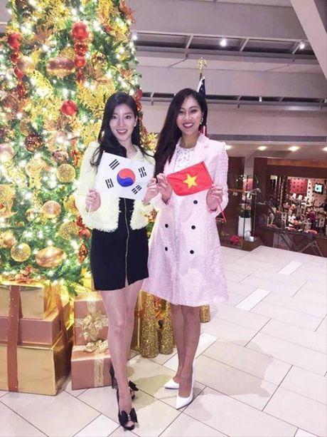 Dieu Ngoc duoc chu tich Miss World khen ngoi voi phan thi Tai nang - Anh 7