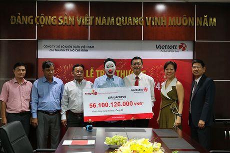 Nguoi thu 5 trung Jackpot, doanh thu Vietlott tang 'khung' - Anh 1