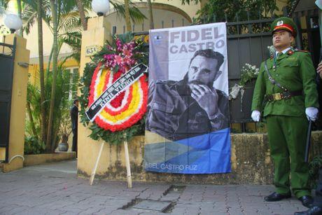 Cuu du hoc sinh Cuba bat khoc khi nhac den Fidel Castro - Anh 1