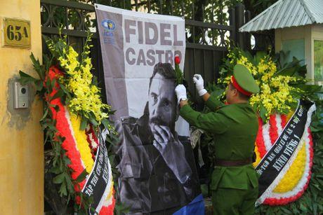 Cuu du hoc sinh Cuba bat khoc khi nhac den Fidel Castro - Anh 7