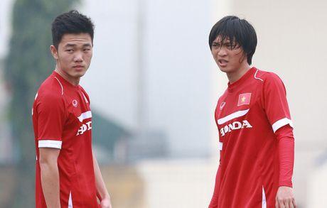 3 cau thu Viet Nam o doi hinh tieu bieu vong bang AFF Cup - Anh 13