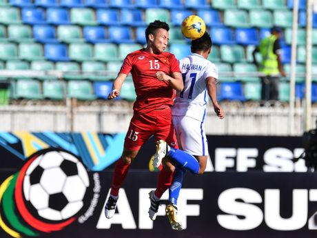 3 cau thu Viet Nam o doi hinh tieu bieu vong bang AFF Cup - Anh 4