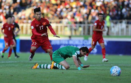 3 cau thu Viet Nam o doi hinh tieu bieu vong bang AFF Cup - Anh 6