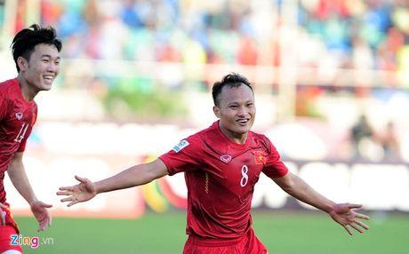 3 cau thu Viet Nam o doi hinh tieu bieu vong bang AFF Cup - Anh 7