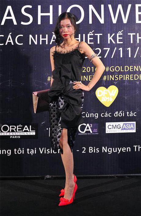 Gioi tre mac doc di khoe ca tinh o Tuan le Thoi trang - Anh 5
