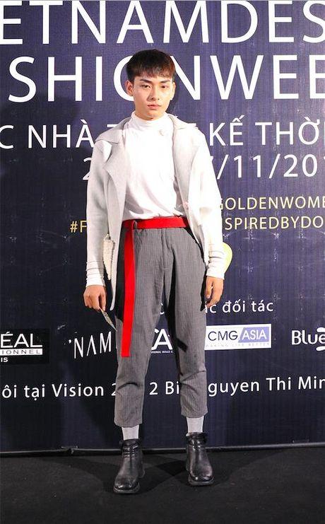 Gioi tre mac doc di khoe ca tinh o Tuan le Thoi trang - Anh 6
