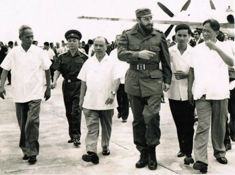 Nhung co sung may phong khong cua Fidel Castro - Anh 1