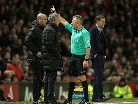 Man United qua den dui? Khong, Mourinho dang lan tranh su that! - Anh 3