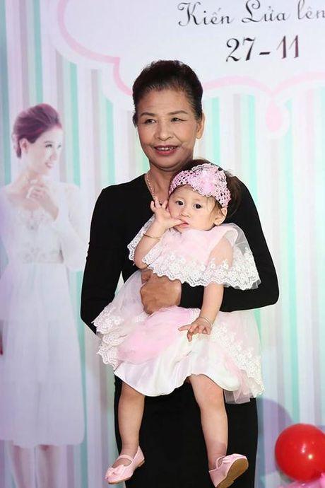 Sinh nhat vang bong cha cua con gai dau long cuu nguoi mau Trang Tran - Anh 9