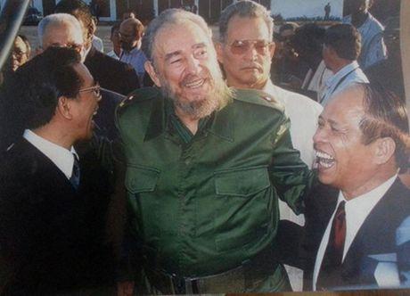 Nguyen Dai su VN tai Cuba chia se ky niem ve Lanh tu Fidel Castro - Anh 1