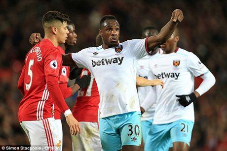 Cham diem MU 1-1 West Ham: 'Quy do' gay canh trai - Anh 5