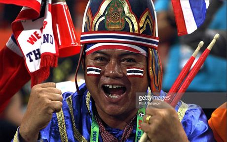 Chum anh: Nhung CDV cuong nhiet nhat tai AFF Cup 2016 - Anh 10