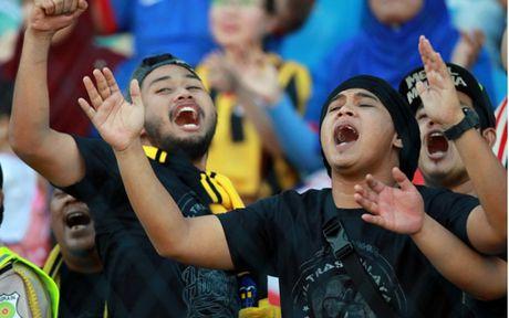 Chum anh: Nhung CDV cuong nhiet nhat tai AFF Cup 2016 - Anh 9