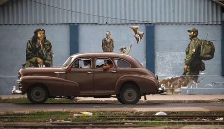 Lanh tu Fidel Castro 'tre trung' qua nhung buc ve graffiti - Anh 3