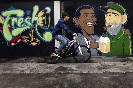 Lanh tu Fidel Castro 'tre trung' qua nhung buc ve graffiti - Anh 9