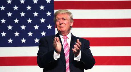Ong Trump doa ap thue 45% hang TQ: Ai ra don hiem? - Anh 1