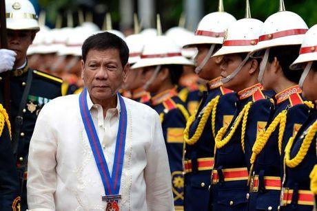 Doan xe ho tong Tong thong Philippines bi danh bom - Anh 1
