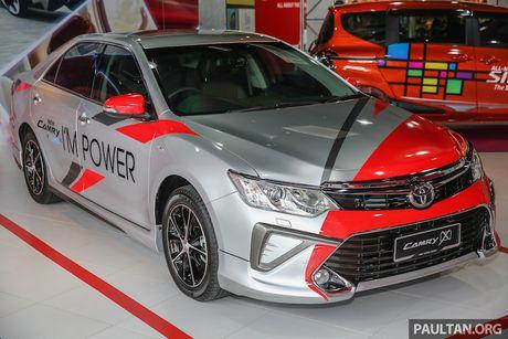 Toyota ra mat Camry 2.0G X ban the thao gia 815 trieu - Anh 1