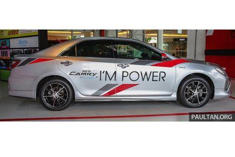 Toyota ra mat Camry 2.0G X ban the thao gia 815 trieu - Anh 3