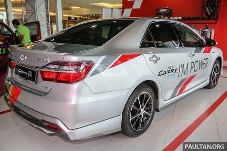 Toyota ra mat Camry 2.0G X ban the thao gia 815 trieu - Anh 4