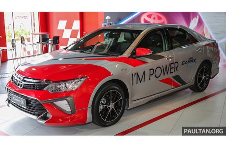 Toyota ra mat Camry 2.0G X ban the thao gia 815 trieu - Anh 8