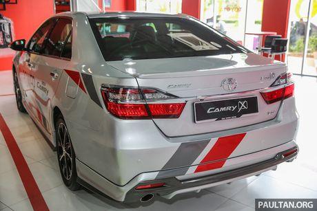 Toyota ra mat Camry 2.0G X ban the thao gia 815 trieu - Anh 9