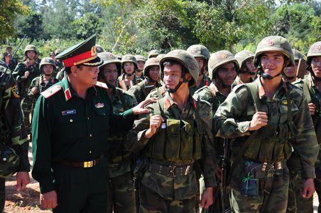 Muc kich bo doi Viet Nam danh quan do bo duong bien - Anh 3