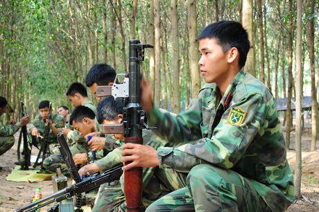 Muc kich bo doi Viet Nam danh quan do bo duong bien - Anh 6