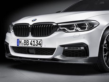 Vua ra mat, BMW 5 Series da co 'do choi' chinh hang - Anh 2
