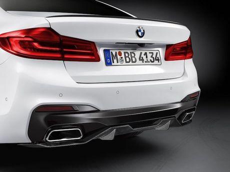 Vua ra mat, BMW 5 Series da co 'do choi' chinh hang - Anh 4