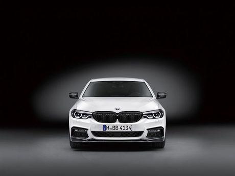 Vua ra mat, BMW 5 Series da co 'do choi' chinh hang - Anh 5