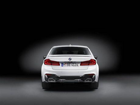 Vua ra mat, BMW 5 Series da co 'do choi' chinh hang - Anh 8